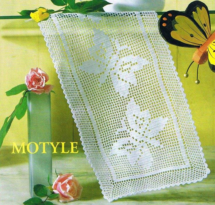 Прямоугольная салфетка с бабочками, связанная крючком