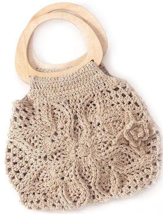 ...из пластиковых пакетов. вязаные сумки с цветами и схемой вязания.