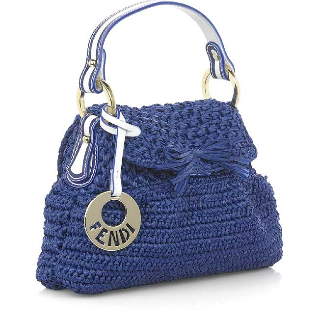 Знаменитая вязаная сумка от fendi