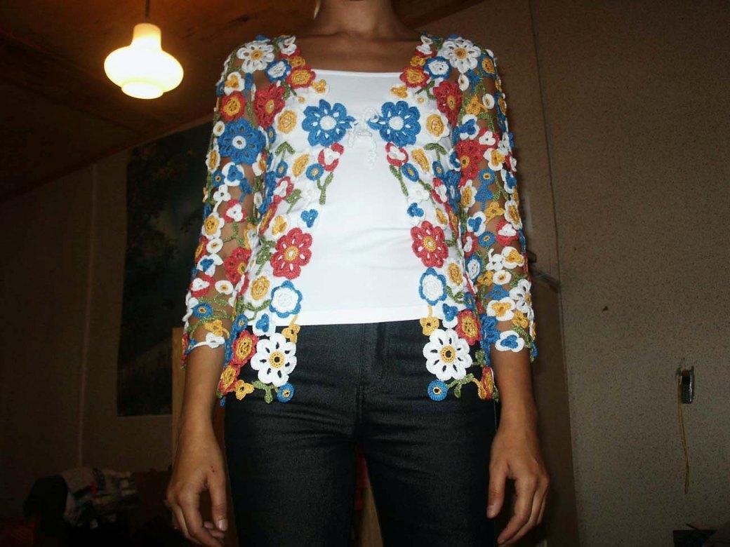 Трикотажные Блузки Украшенные Цветком