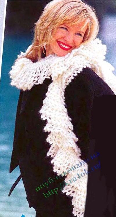 Широкий шарф спицами.