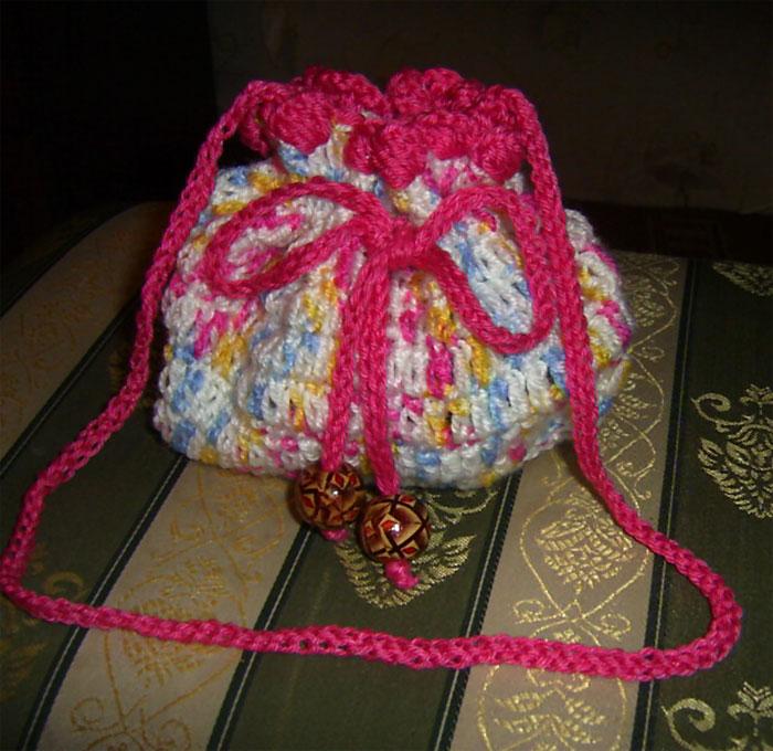 вязаная крючком сумочка