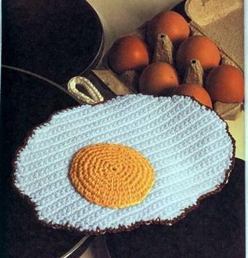 Вязаная еда - яичница