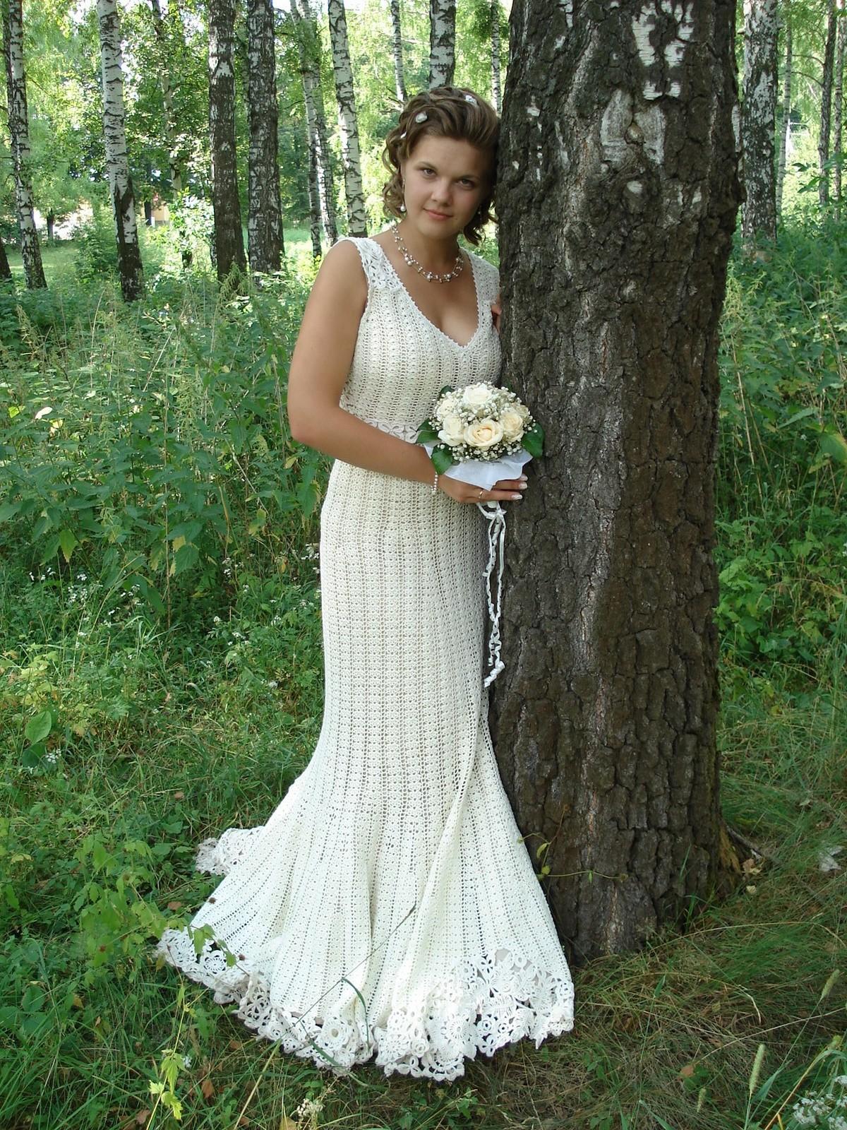 Необычное свадебное платье, связанное крючком.  Хватит ли у вас терпения, чтобы сотворить подобное чудо.