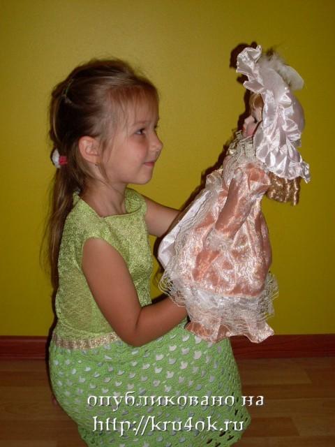 Схема и описание.  Начинать вязать наше крестильное платье крючком следует, так же как и вязаное крючком платье для...