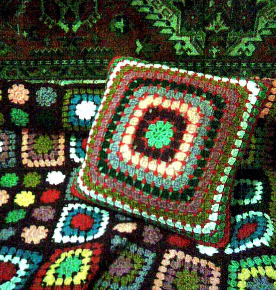 подушка для бабушкиного пледа.