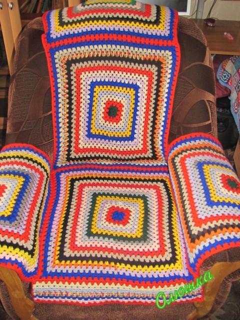 Техника: Вязание крючком.  Автор.  Я ходила в гости к подружке, и мне у нее понравилась накидка на кресло.