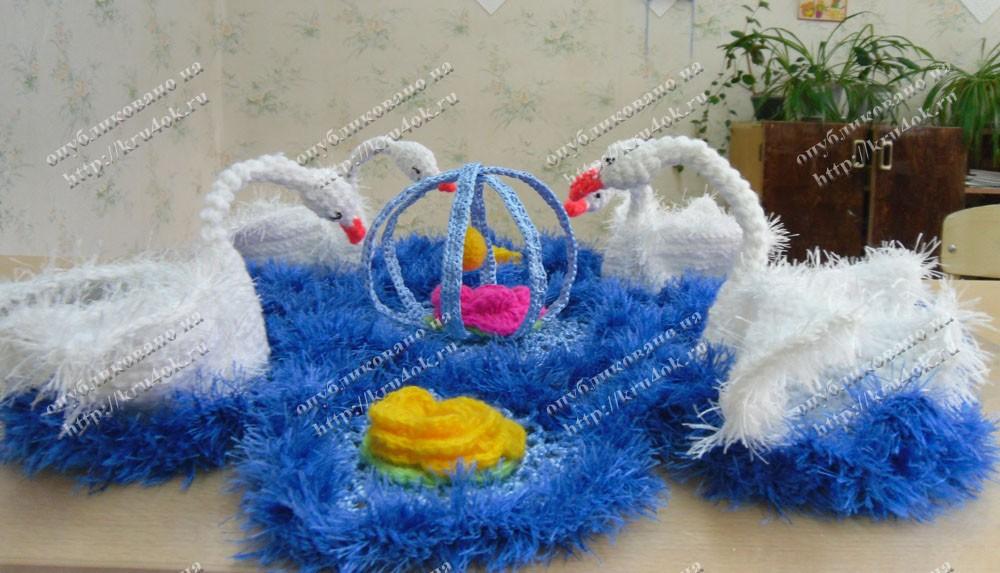 Салфетка с лебедями( несколько