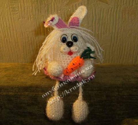 Зайка-очаровашка, связанная крючком