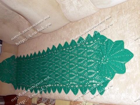 Зеленый шарф-накидка, связанный крючком