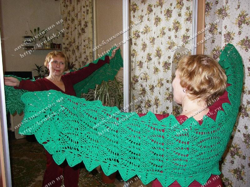Зеленый шарф-накидка