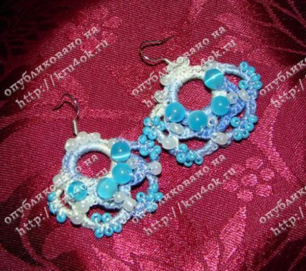 Вязаные сережки с бисером - работа Марины.  Марина попробовала составить.
