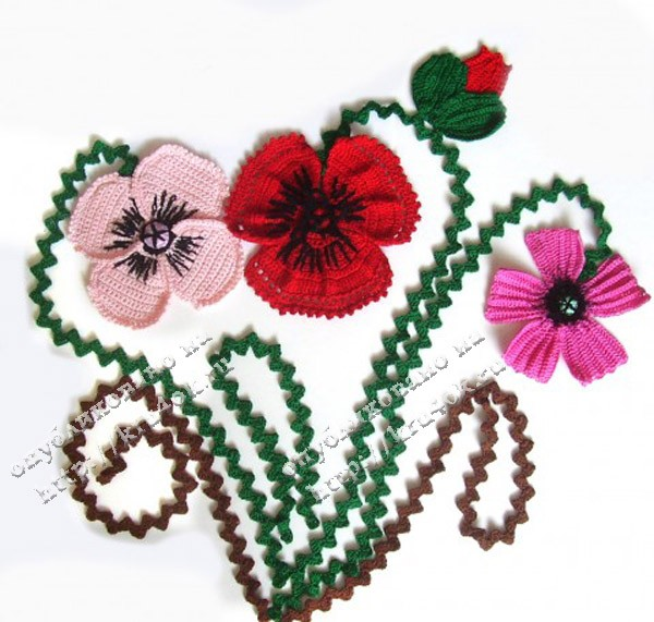 Вязаное панно с маками