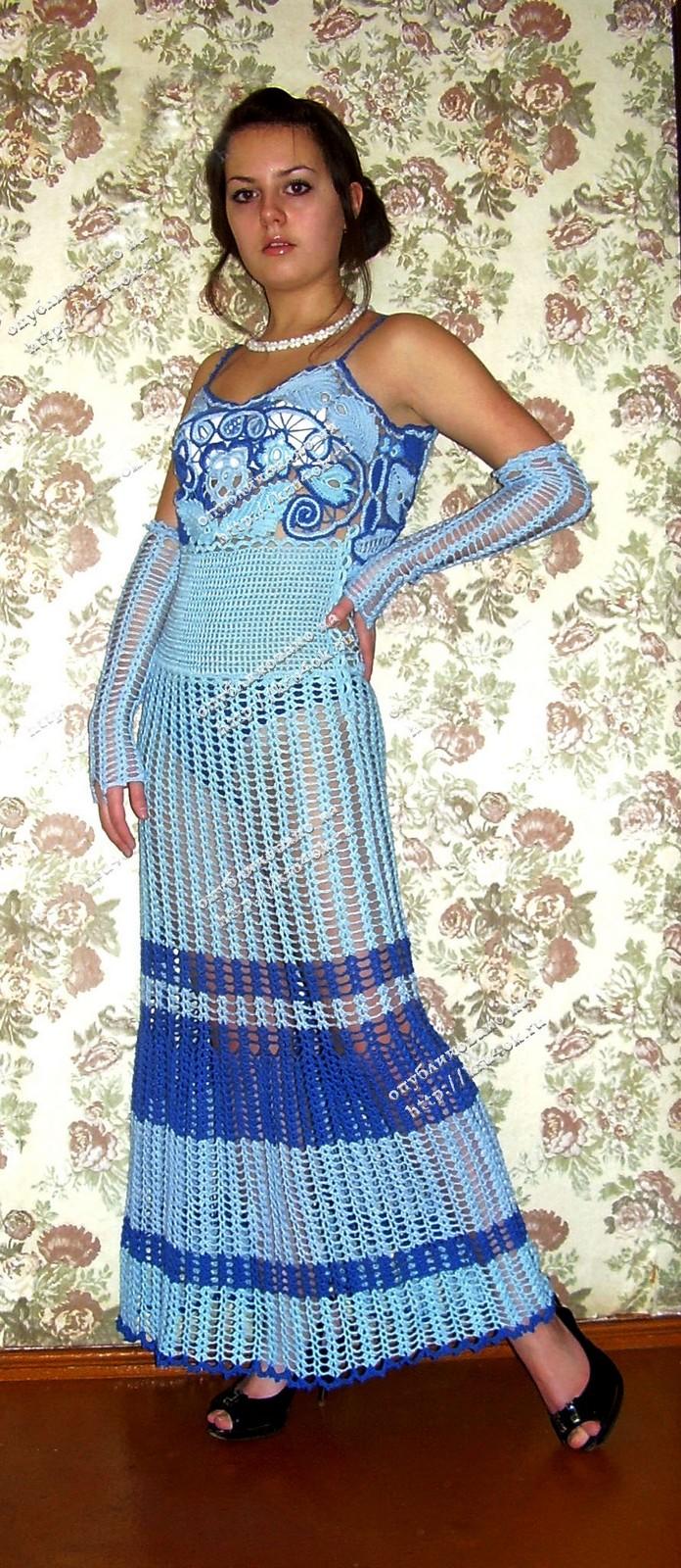 Голубое платье связанное крючком
