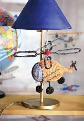 Вязаная игрушка вертолет