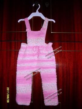 Вязанный комбинезон для девочки