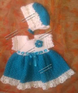 Платье и капор связанные спицами
