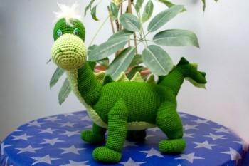 вязаная крючком игрушка дракон