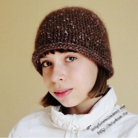 Вязаная крючком шапка