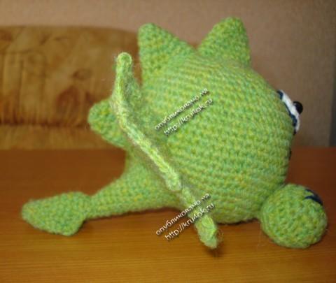 Смайло-дракон, связанный крючком