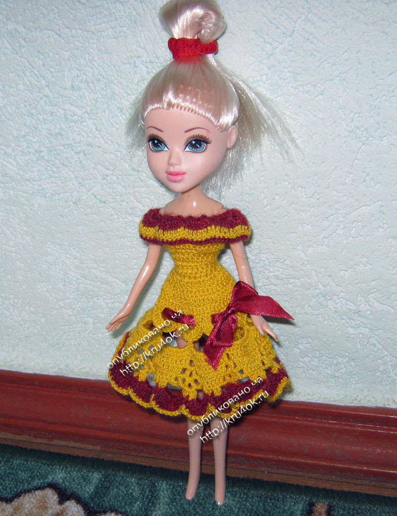 вязаные крючком платья для кукол.