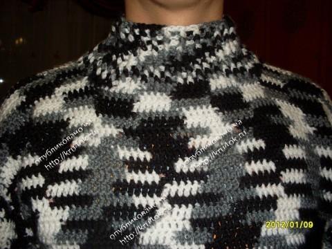 Мужской свитер из пряжи
