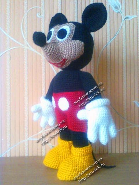 вязаная игрушка Микки
