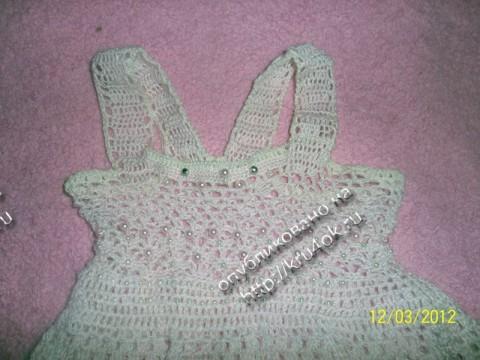 Розовое платье для девочки связанное крючком