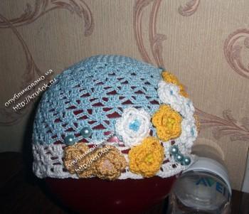Летняя шапочка связанная крючком