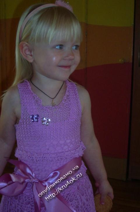 Нарядное платье для девочки связанное крючком