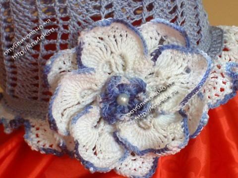 Шляпка «Нежный цветок» связанная крючком