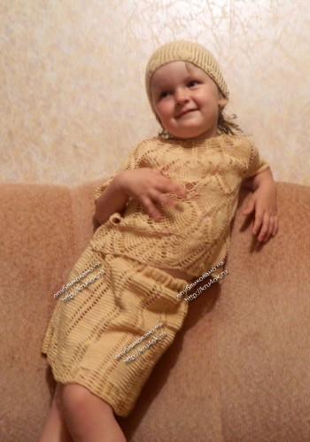 Летний костюм для девочки связанный крючком