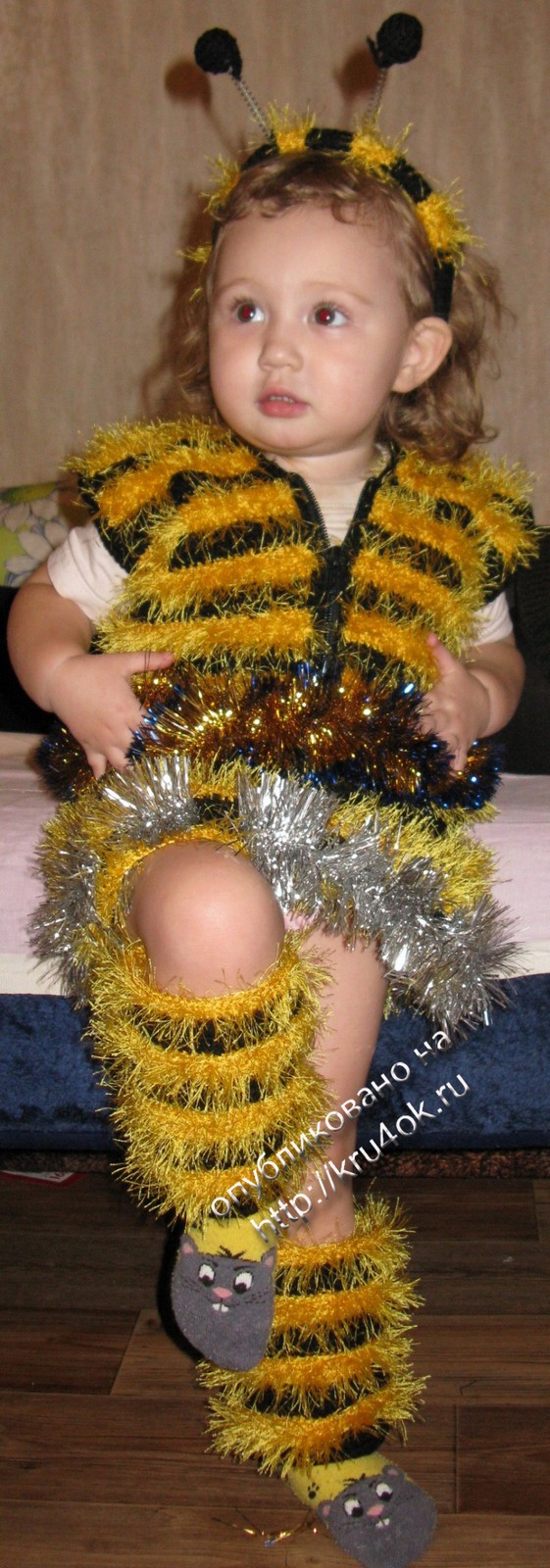 Как сделать пчелок из ниток