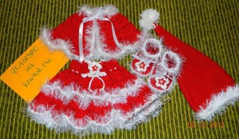 новогодний костюм, связанный крючком