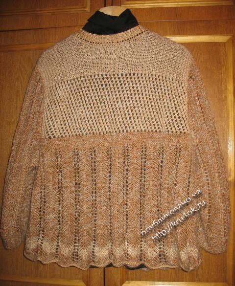 фото свитера, связанного спицами