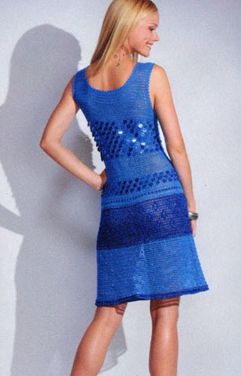 Вязаное платье с пайетками