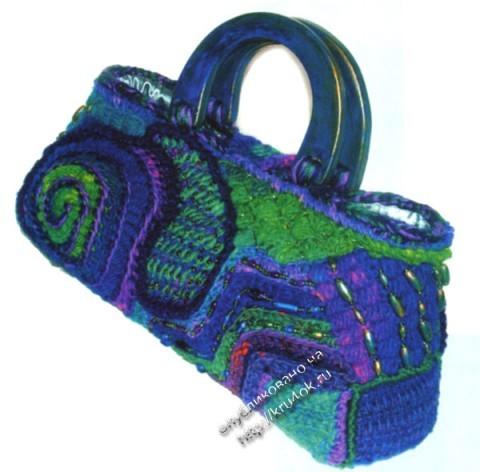 фото связанной крючком сумки в технике фриформ