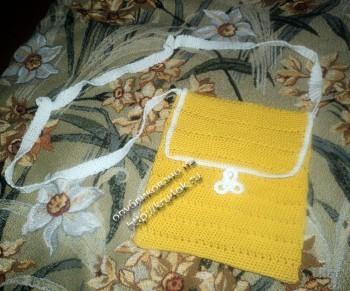 фото желтой сумочки, связанной крючком