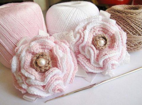 Вязаное украшение - заколка для волос