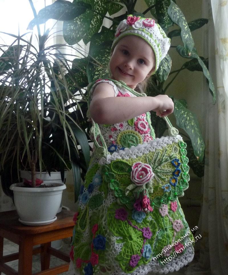 Вязаные спицами детские платья