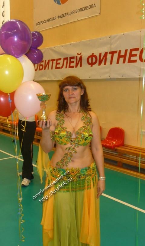 вязаный крючком костюм для танцев в технике фриформ