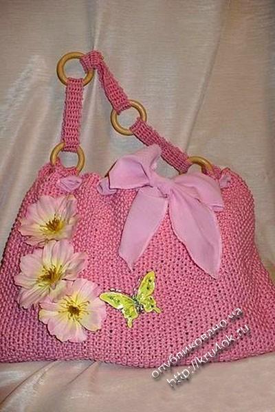 """Для сумки вяжется квадрат, складывается пополам, рисунок лицевая и изнаночная, а... Эту сумку я назвала  """"Розовая..."""