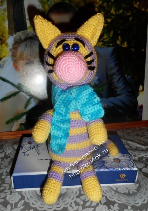 фото вязаной игрушки котика