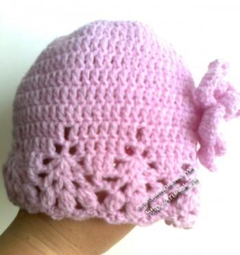 фото вязаной шапочки для девочки