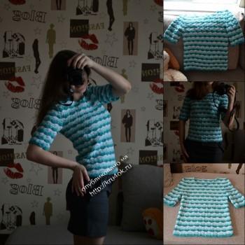 Женский свитер, связанный крючком