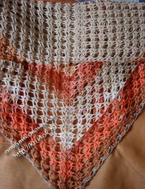фото вязаной шали крючком