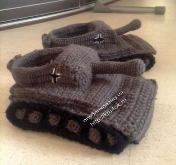 Тапочки в виде танка