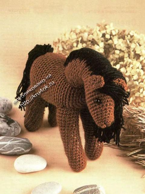 фото вязаной крючком игрушки лошадки