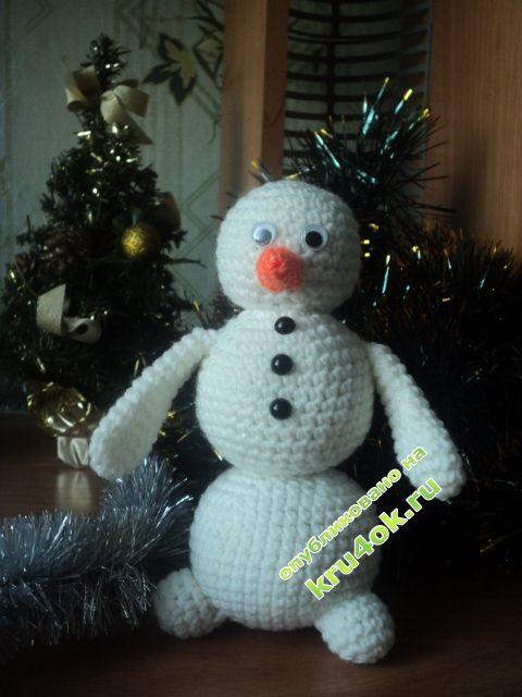 фото вязаного крючком снеговика