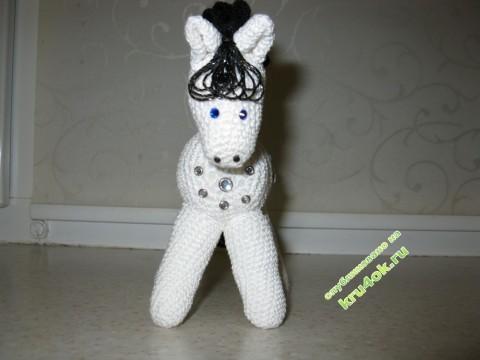 фото вязаной крючком лошадки